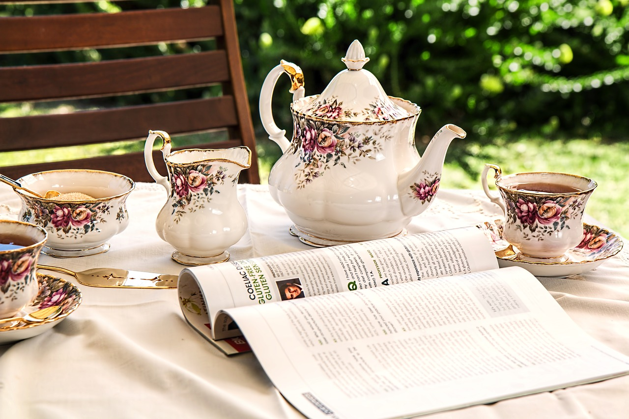 Read more about the article Que sait-on des services à thé et des théières?